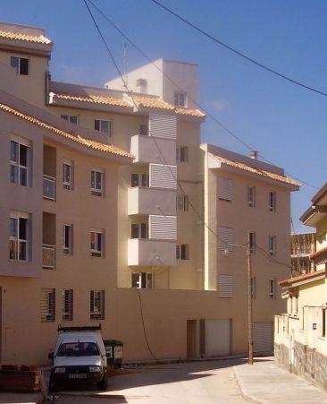 Edificio de 44 viviendas en Chiva