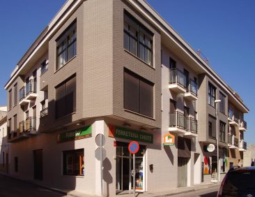 Edificio de 8 viviendas en Cheste