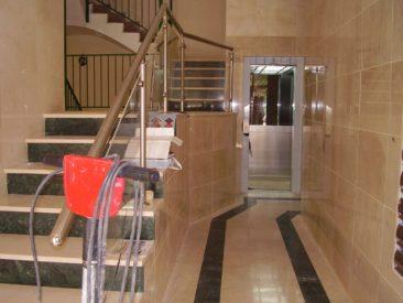 Modificacion del embarque del ascensor en Valencia cota cero